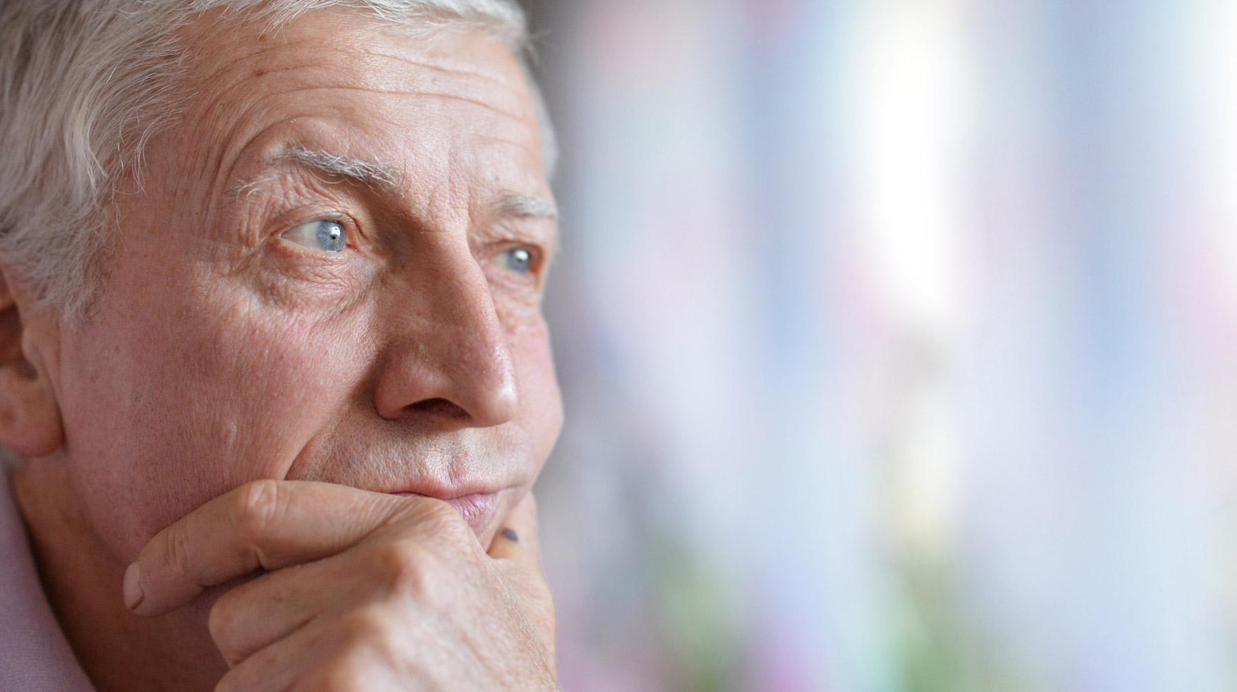 anziano-preoccupato-prostata-03